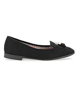 Pointed Toe Tassel Slip On Shoes E Fit