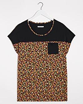 Black Floral Curved Hem T-shirt