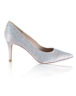 Perfect Crystal Encrusted Pointed Court