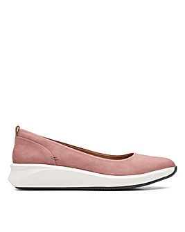 Clarks Un Rio Vibe Wide Fitting Shoes