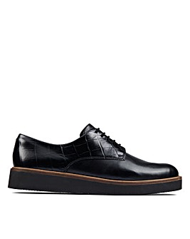 Clarks Baille Stitch Standard Fitting Shoes