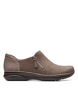 Clarks Appley Zip Wide Fitting Shoes