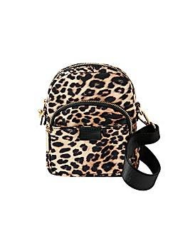 Accessorize Leopard x body