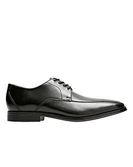 Clarks Gilman Mode Wide Fitting