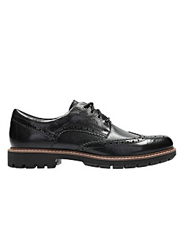 Clarks Batcombe Wing Standard Fitting