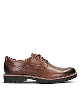 Clarks Batcombe Hall Standard Fitting Shoes