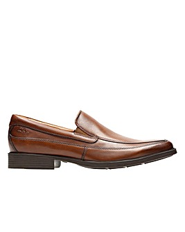 Clarks Tilden Free Standard Fitting