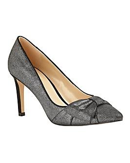 Lotus Minango Pointed-Toe Court Shoes
