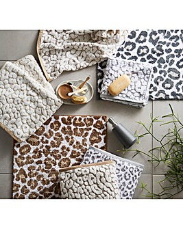 Leopard Printed Bathmat