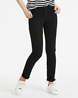 Sadie Slim Leg Jeans Short