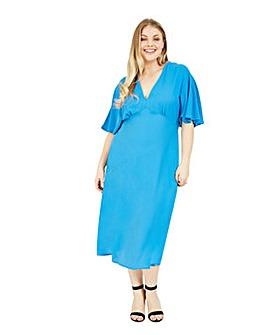 Yumi Curves Kimono Flared Midi Dress In Blue