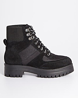 Gately Utility Walking Boots Wide Fit