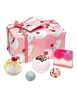 Bomb Cosmetics Cherry Bathe Well Bath Bomb Gift Set