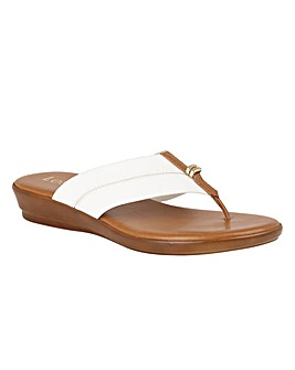 Lotus Hera Toe-Post Mule Sandals