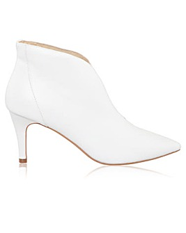 Perfect Zara Leather Pointed Shoe Boot