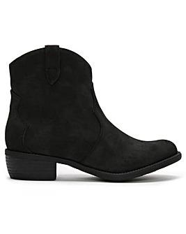 DF By Daniel Yamen Western Ankle Boots