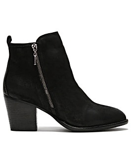 DF By Daniel Vessa Leather Ankle Boots
