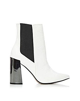 M By Moda Ayla Boots