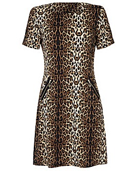 Yumi Curves Leopard Print Tunic Dress