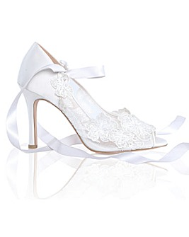 Perfect Quinn Lace Peep Toe