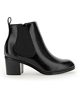Tyra Block Heel Chelsea Boot Wide Fit