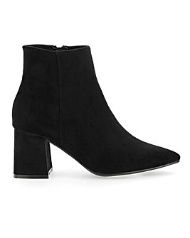 Shauna Pointed Boot Wide E Fit