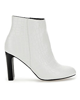 Antonia Ankle Boots Wide Fit