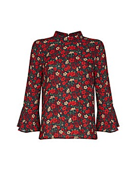 Yumi Curves Floral flared sleeve top