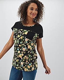 Block Floral Curved Hem Pocket T Shirt