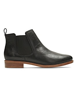 Clarks Taylor Leather Chelsea Boots Wide E Fit