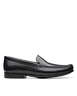 Clarks Claude Plain Wide Fitting