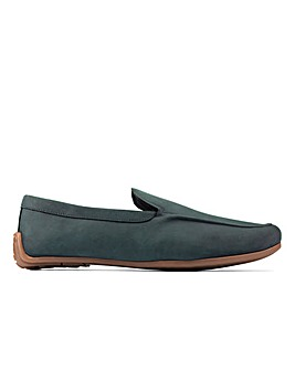 Clarks Reazor Plain Standard Fitting Shoes