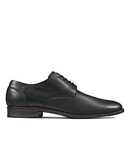 Clarks Flow Plain Standard Fitting Shoes