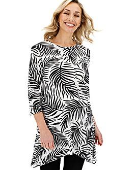 Palm Print Short Sleeve Hanky Hem
