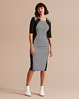 Mono Houndstooth Print Illusion Dress