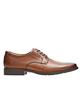 Clarks Tilden Plain Standard Fitting
