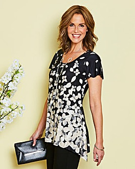 Black Print Tunic and Necklace
