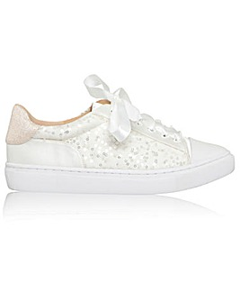 Perfect Nikki Sneaker