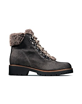 Clarks Velma Hiker D Fitting
