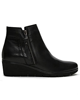DF By Daniel Lollis Leather Ankle Boots