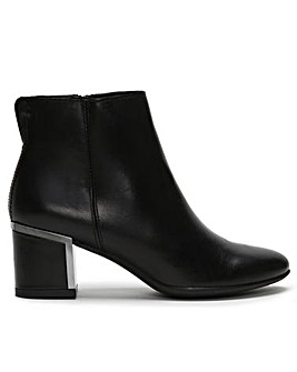 DF By Daniel Enthuse Leather Boots