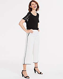 Contrast Piped Culottes