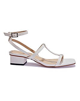 Square Toe Sandal Standard Fit