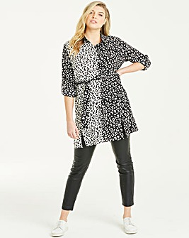 Quiz Curve Mono Animal Print Shirt Dress