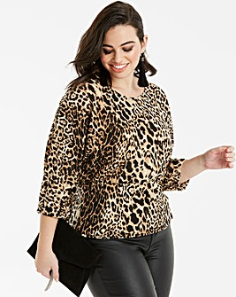 Quiz Curve Animal Print Blouse