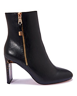 Contrast Heel Side Zip Boot Standard Fit