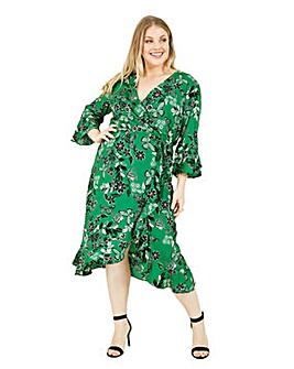 Yumi Curves Butterfly Floral Wrap Dress In Green