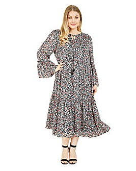 Yumi Curves Ditsy Floral Smock Dress In Black