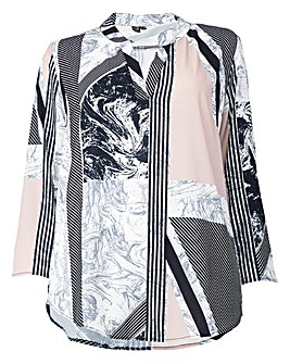 Izabel London Curve V-Neck Print Blouse