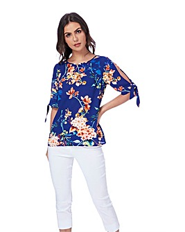Roman Floral Print Split Sleeve Top